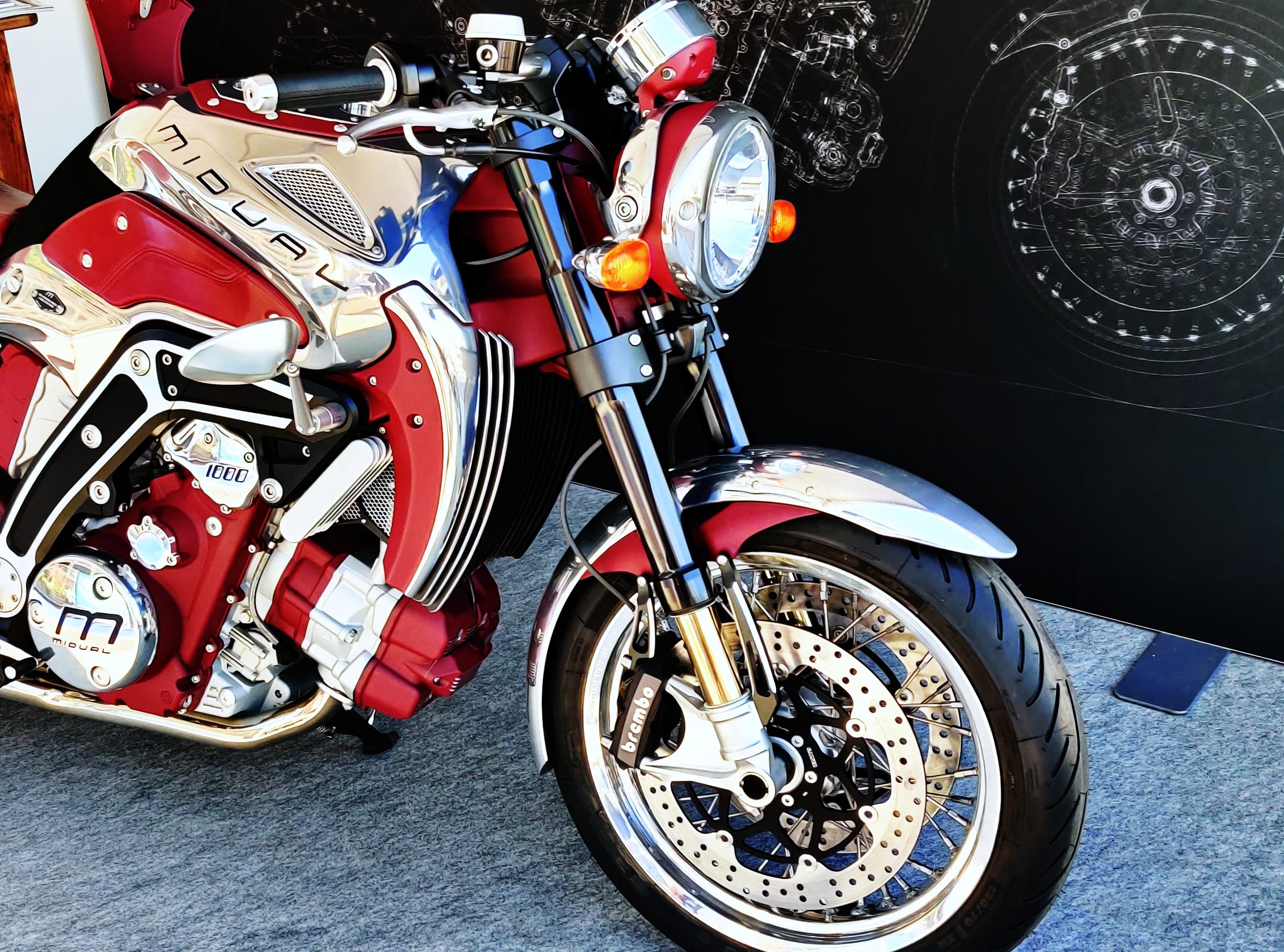 Au Monaco Yacht Show des motos d'exception Midual marque française